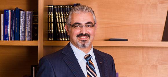 Д-р Ченгиз Гюл  | Директор Продажби и Бизнес развитие.