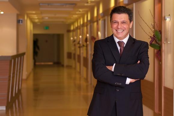 проф. д-р Семих Акъ