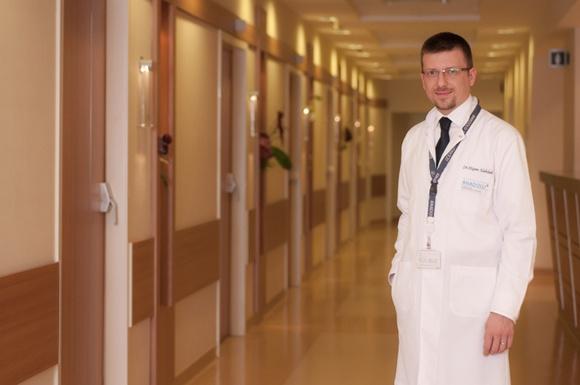 д-р Хишам Алахдаб