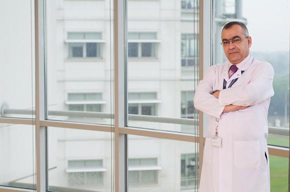 д-р Музафер Сезер